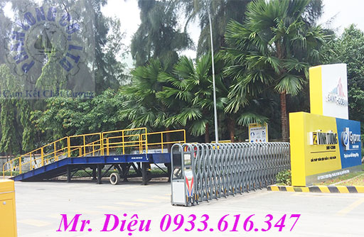 cầu xe nâng cầu container 30 tấn