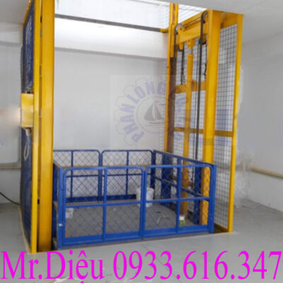 thang máy nâng hàng thủy lực
