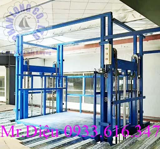 thang nâng hàng tự động thủy lực pl001